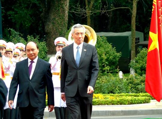 Cận cảnh lễ đón Thủ tướng Lý Hiển Long tại Phủ Chủ tịch