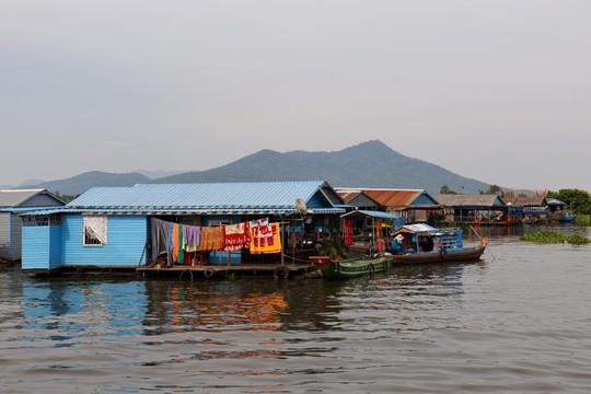 Cuộc sống cơ cực của Việt kiều tại Biển Hồ - Ảnh 1.
