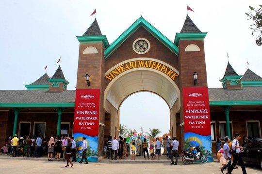 Công viên nước Vinpearlland Water Park Hà Tĩnh với diện tích 7 ha là công viên nước đầu tiên và lớn nhất khu vực Bắc Trung bộ.