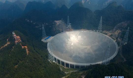 Du khách Trung Quốc át tiếng người ngoài hành tinh? - Ảnh 3.