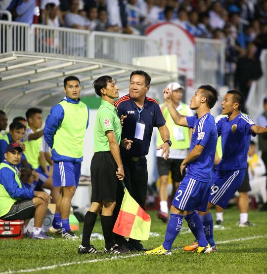 CLB Quảng Nam phản ứng quyết định của trợ lý trọng tài khi công nhận bàn thắng của Châu Ngọc Quang