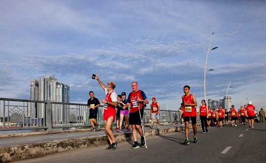 Những hình ảnh đẹp của ngày chạy đoàn kết - Ảnh 8.