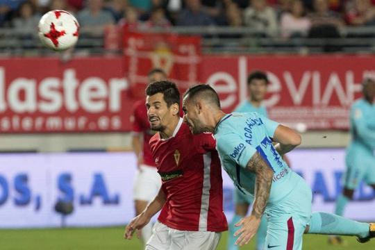 Trình làng hàng công mới, Barcelona trút giận trận mở màn Cúp Nhà vua - Ảnh 2.