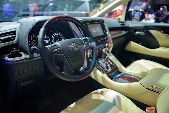 Toyota Alphard - chuyên cơ mặt đất vừa ra mắt có gì? - Ảnh 8.