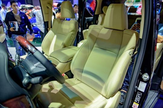 Toyota Alphard - chuyên cơ mặt đất vừa ra mắt có gì? - Ảnh 9.