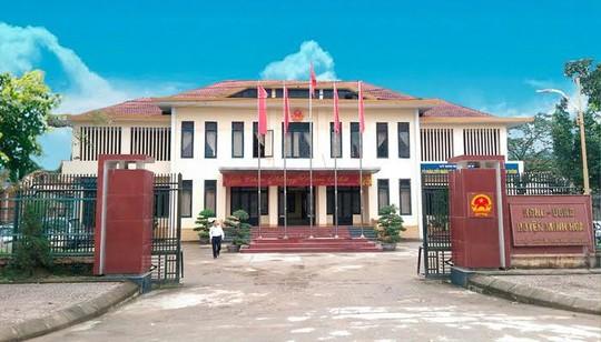 Quảng Bình: Kiểm điểm, kỷ luật hàng loạt lãnh đạo của huyện Minh Hóa - Ảnh 1.
