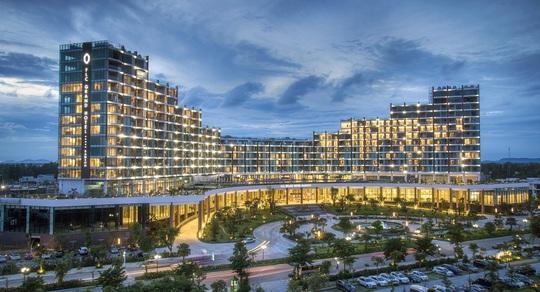 """Khai trương FLC Grand Hotel, Sầm Sơn bùng nổ trong đại tiệc lễ hội """"Make it Grand"""" - Ảnh 1."""