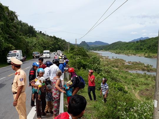 Phát hiện thi thể người phụ nữ khỏa thân trôi sông Đakrông - Ảnh 2.