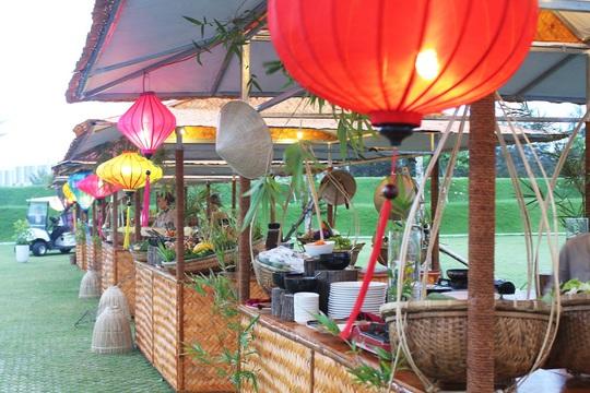 Cẩm nang cho những tín đồ ẩm thực đêm tại Eo Gió - Quy Nhơn - Ảnh 2.