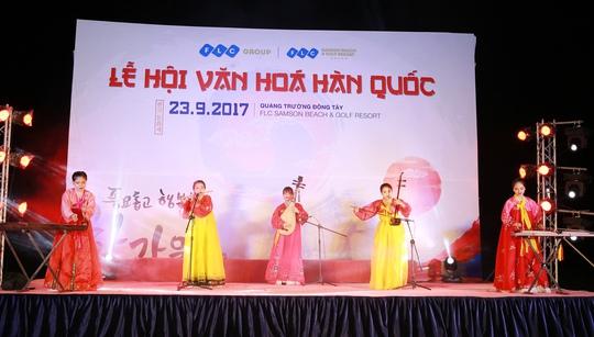 Ngập tràn sắc màu Hàn Quốc trong lễ hội văn hóa tại FLC Sầm Sơn - Ảnh 2.