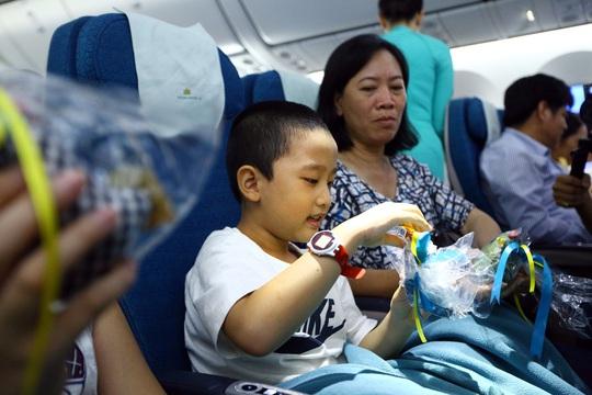 Trung thu ấm áp trên những chuyến bay của Vietnam Airlines - Ảnh 3.