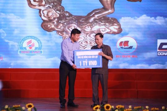 Tập đoàn FLC hỗ trợ 1 tỉ đồng khắc phục hậu quả thiên tai tại Thanh Hóa - Ảnh 1.