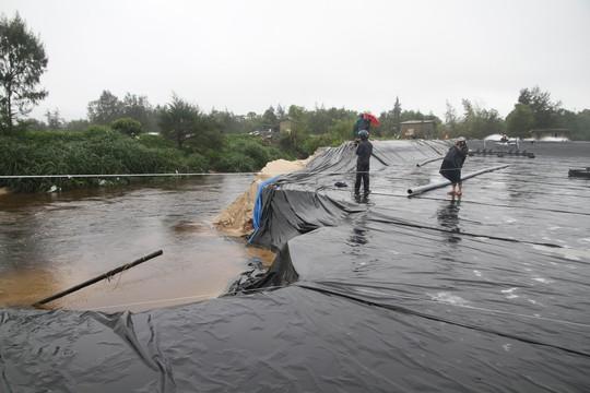 Quảng Trị: Hơn 300 nhà dân vẫn còn ngập sâu trong nước - Ảnh 2.