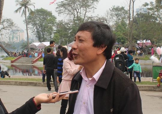Ông Nguyễn Đức Liên trả lời câu hỏi của phóng viên