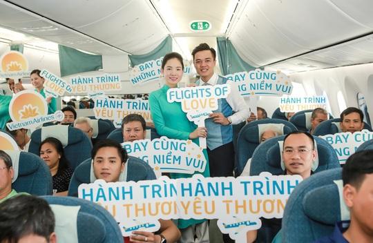Trung thu ấm áp trên những chuyến bay của Vietnam Airlines - Ảnh 8.