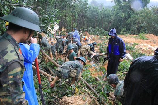 Quân khu V nỗ lực tìm kiếm 4 công nhân thủy điện Trà My bị vùi - Ảnh 1.