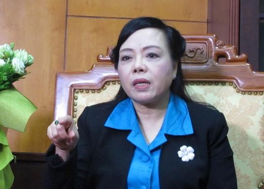 Bộ trưởng Nguyễn Thị Kim Tiến: Ngành y tế đơn độc bảo vệ nhân viên - Ảnh 1.