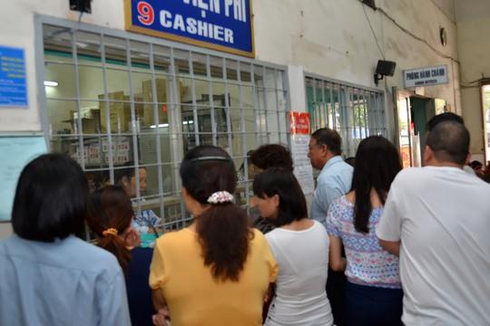 Làm thủ tục khám bệnh tại một cơ sở y tế ở TP HCMẢnh: TẤN THẠNH
