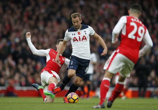 Arsenal hết chung mâm với Tottenham - Ảnh 1.