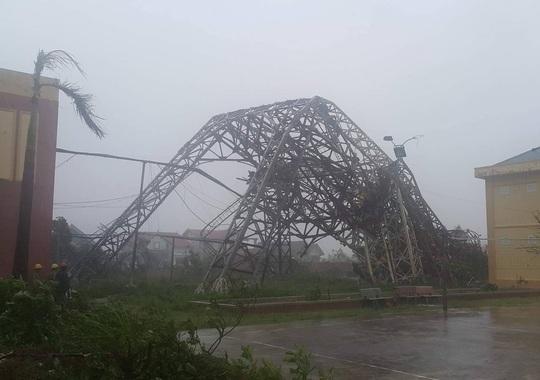 Hà Tĩnh: Bão số 10 gây thiệt hại 6.000 tỉ đồng - Ảnh 1.