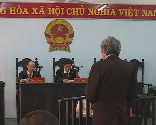 Tòa án xử một vụ dâm ô với trẻ em 6 tuổi ở tỉnh Đắk Lắk - Ảnh: CAO NGUYÊN