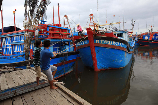 Bão cấp 12 đổ bộ vào Khánh Hòa - Ninh Thuận - Bình Thuận - Ảnh 1.