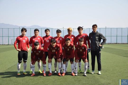 CLB Uijeungbu với sự góp mặt của tiền vệ Nguyễn Hữu Anh Tài (số 3)