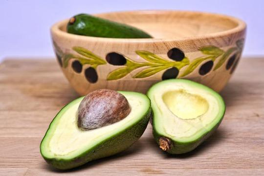 Nghiên cứu nêu khả năng hạ mỡ máu, hạ huyết áp từ việc dùng trái bơẢnh: MEDICAL DAILY