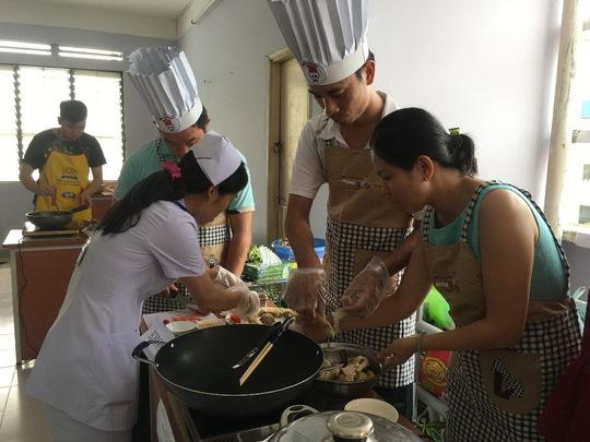 Nhiều hoạt động mừng ngày Phụ nữ Việt Nam - Ảnh 1.