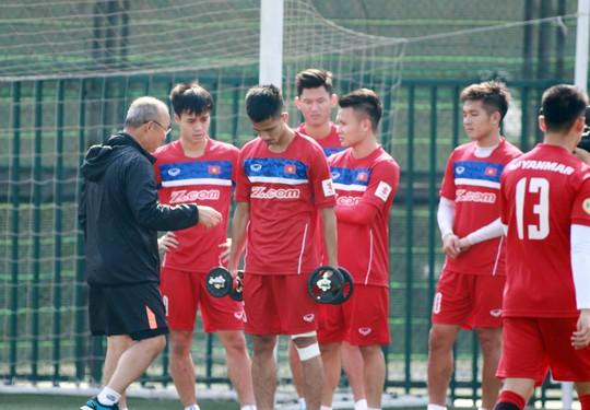 Lịch THTT: U23 Việt Nam gặp Myanmar, Real đối đầu Sevilla - Ảnh 1.