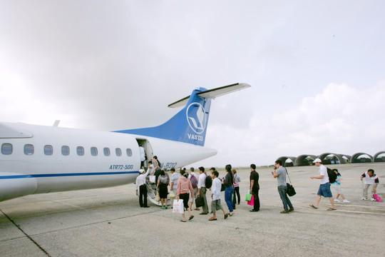 Một máy bay ATR72 của VASCO tại sân bay Tân Sơn Nhất - Ảnh minh họa
