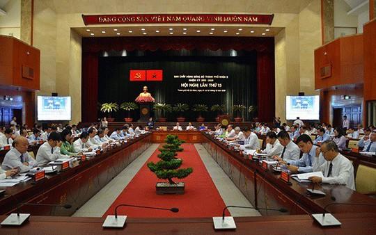 Thành ủy TP HCM kỷ luật nhiều tập thể, cá nhân - Ảnh 1.
