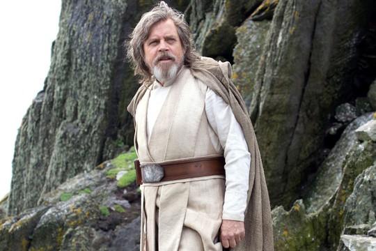 Star wars 8 mở màn cao thứ 2 lịch sử điện ảnh Mỹ - Ảnh 1.