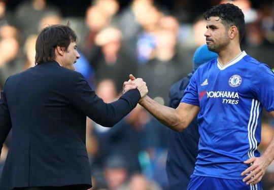 Costa chới với khi bị Conte nhắn tin đuổi thẳng - Ảnh 1.