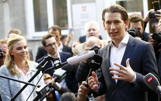 Nước Áo chờ người xốc lại chính trị - Ảnh 1.