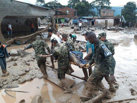 Vụ sạt lở đất hôm 1-4 tại TP Mocoa - Colombia khiến hàng trăm người thiệt mạng... Ảnh: AP