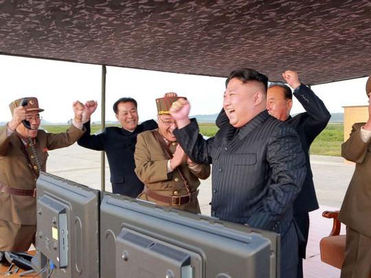 """Triều Tiên """"kiềm chế"""" trong lúc tổng thống Mỹ thăm châu Á - Ảnh 1."""