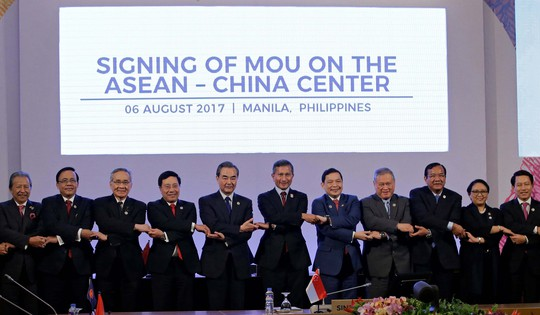 ASEAN ra thông cáo không quân sự hóa biển Đông - Ảnh 1.