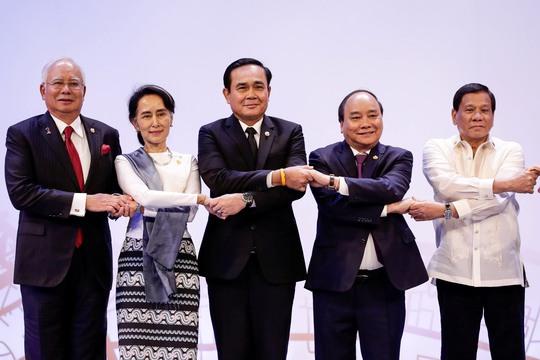 Thủ tướng Nguyễn Xuân Phúc dự Hội nghị Cấp cao ASEAN tại Manila hôm 29-4 Ảnh: Reuters
