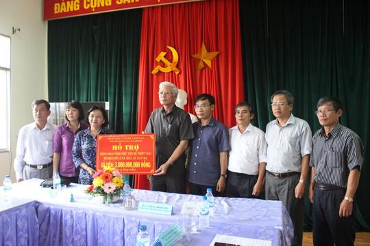TP Hồ Chí Minh sẻ chia nỗi đau người dân vùng bão Phú Yên - Ảnh 1.
