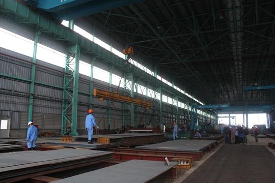 Phía trong xưởng sản xuất