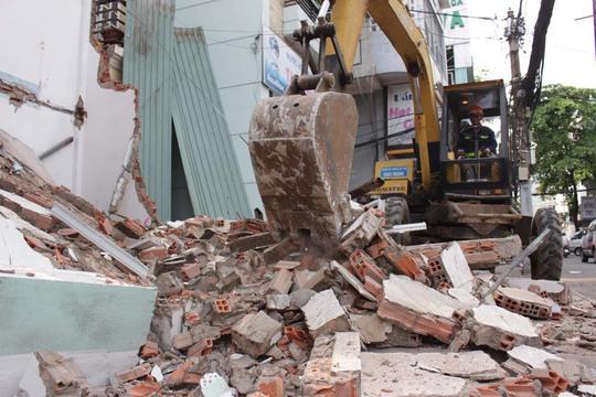 Trụ sở khu phố 3, phường Tân Định, quận 1 bị tháo dỡ. Ảnh: Quốc Chiến