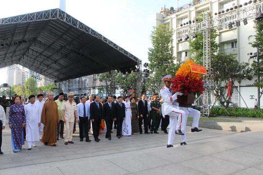 Tưởng nhớ Chủ tịch Hồ Chí Minh - Ảnh 1.