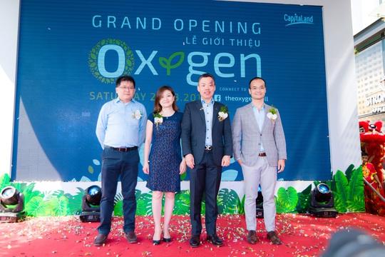 Ban Giám đốc CapitaLand Việt Nam và ông Đỗ Sơn Dương - đối tác co-working space Toong