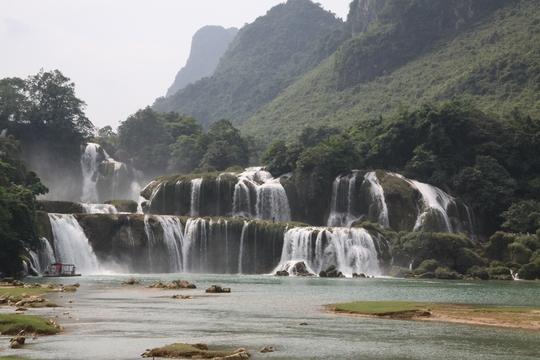Thác Bản Giốc trở thành địa điểm du lịch trọng điểm quốc gia - Ảnh: Phạm Dương