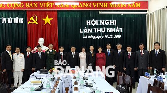 Bộ Chính trị cảnh cáo Ban Thường vụ Thành uỷ Đà Nẵng - Ảnh 1.