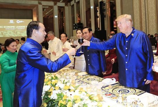 Những hình ảnh ấn tượng tại tiệc chiêu đãi các nhà lãnh đạo APEC - Ảnh 6.