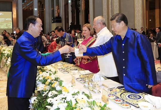 Những hình ảnh ấn tượng tại tiệc chiêu đãi các nhà lãnh đạo APEC - Ảnh 5.