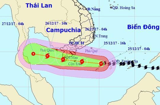 Dự báo mới nhất về bão số 16 (Tembin): Tâm bão lệch xuống phía Nam - Ảnh 3.