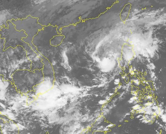 Xuất hiện cuối mùa, bão số 13 diễn biến phức tạp - Ảnh 2.